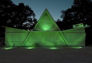 Beige-Motel-green-1024x702